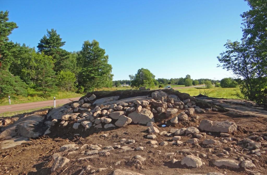 Stensättningen Alunda 754, framrensad.